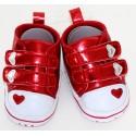 Schattige rode schoentjes met hartjes
