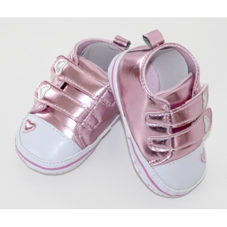 Adorables petites chaussures rose clair