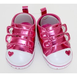 Adorables petites chaussures roses